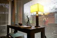 lampka nocna na biurku